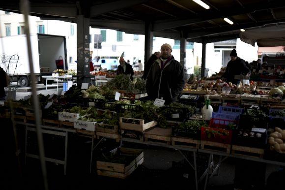サンタンブロージョ市場1
