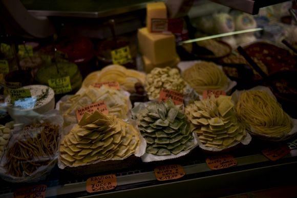 サンタンブロージョ市場2